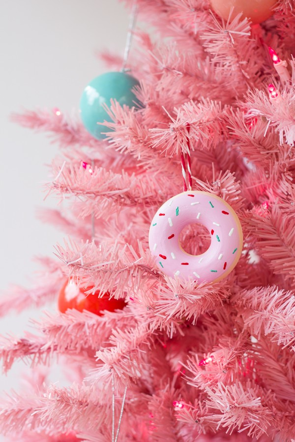 DIY-Donut-Ornaments3-600x900